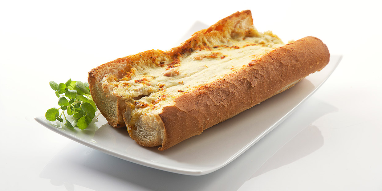 Creamy asparagus toast
