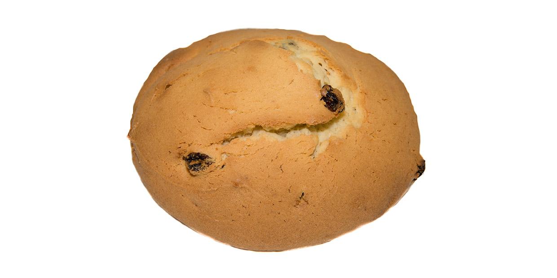 Tea bun with raisins