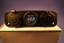 USB, 12V tengi & Voltmælir