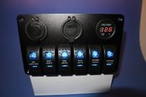 Rofabretti - 6 rofar m/ voltmæli, USB og 12 volta tengi
