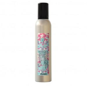 This is a curl moisturzing mousse 250ml