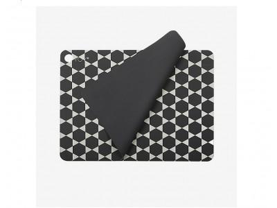OYOY - Hexagon Diskamotta Dark Grey 2stk