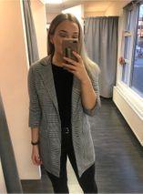 Monica jakki