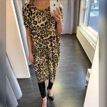 Beta leopard kjóll brúnn