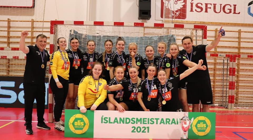 3-flokkur-kvk-islandsmeistarar-2021