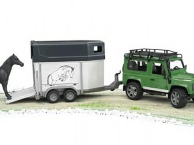 Jeppi, Land Rover með hestakerru