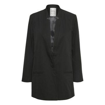 06-the-suit
