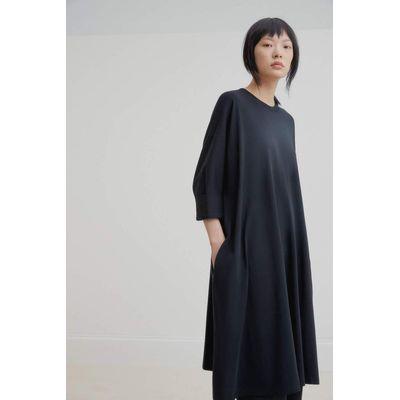 KOWTOW - OVERSIZED BOXY DRESS - SVARTUR
