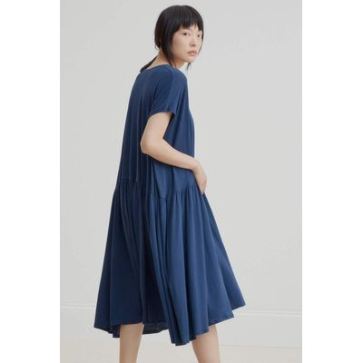 KOWTOW - GATHER HEM DRESS - BLÁR