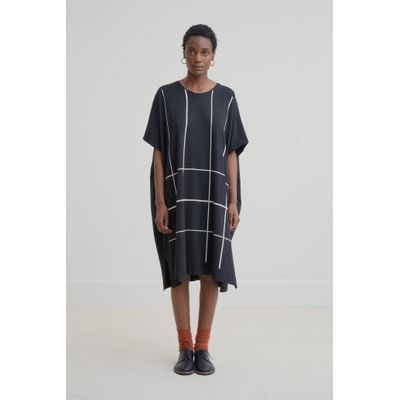 KOWTOW - GEOMETRY DRESS - SVARTUR