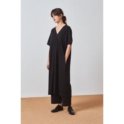 KOWTOW - PLEAT DRESS - SVARTUR