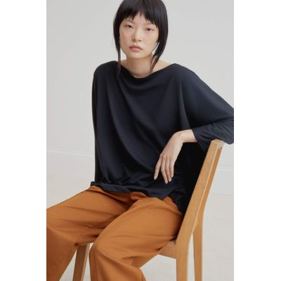 KOWTOW - RELAXED BOAT NECK TOP - SVARTUR