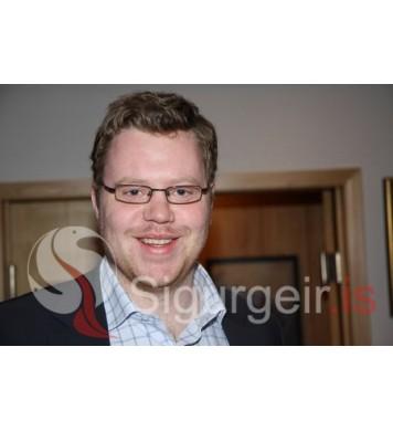 Einar Sigurðsson.