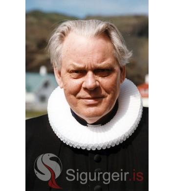 Sr. Bragi Friðriksson.