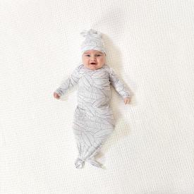 aden+anais zebra plant comfort knit gown+hat set - náttsett
