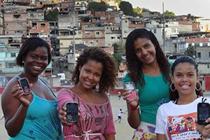 20130606-riodejaneirofavelassafecities2_300x200-jpg
