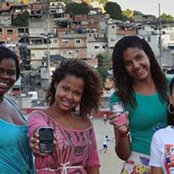 Snjallsímaforrit verndar konur og stúlkur í fátækrahverfum Rio de Janeiro